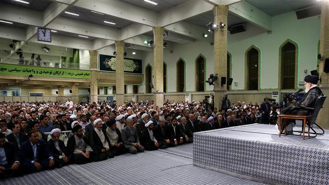 Ayatollah Khamenei calls on Hajj pilgrims to take stand on al-Aqsa