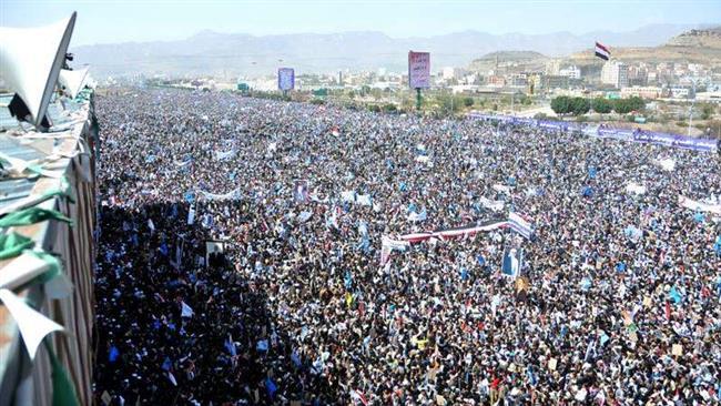Yemenis hold large rallies in Sana'a against deadly Saudi air raid