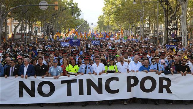 Almost half a million march in Barcelona to condemn terror