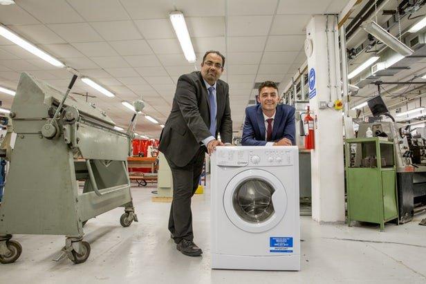 Iranian researcher supervises study on slashing washing machines weight