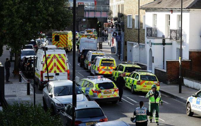 British police hunt for London train bomb suspects