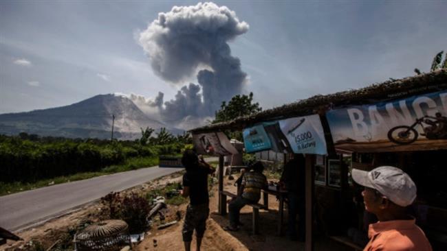 Indonesia villages evacuated amid volcanic eruption