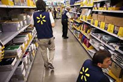 U.S. wage growth, tax-bonuses spark shopping in retail stocks