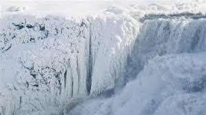 Niagara Falls partially frozen amid Arctic cold