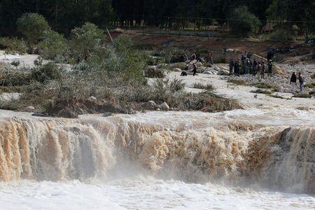 Eight people killed , thousands of tourists flee as rain and flood inundates Jordan's Petra