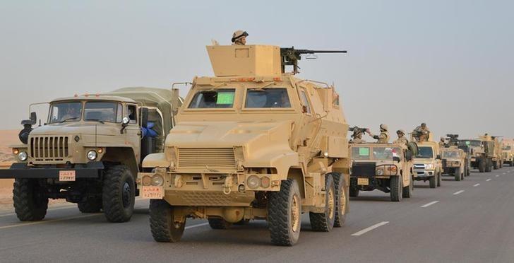 Egyptian air force pounds Sinai militants