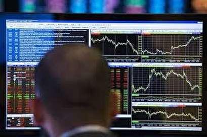 Stock market slump sends investors flocking to safe-haven bonds