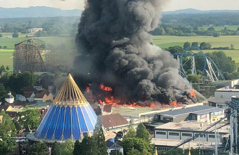 Seven injured in massive blaze at German theme park