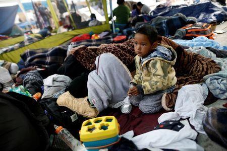 U.S. should stop detaining migrants, separating children: U.N.