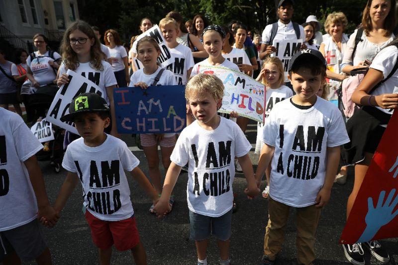 700 separated children still in US custody after deadline