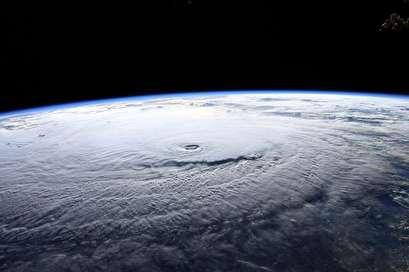 Hurricane Lane threatens major flooding in Hawaii