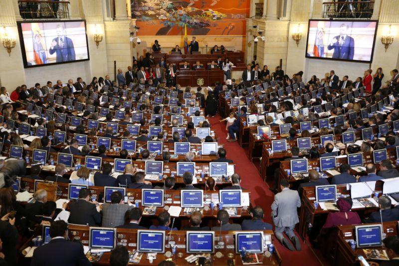 Colombians vote on anti-corruption referendum