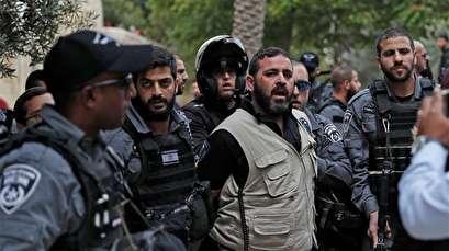 Israeli settlers raid Aqsa Mosque in latest provocation