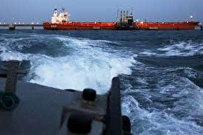 Venezuela dodges oil asset seizures with export transfers at sea