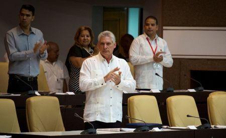 Cuba's president meets U.S. Senator Corker amid tense bilateral relations