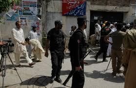 Pakistan official: Gunmen kill policeman guarding polio team