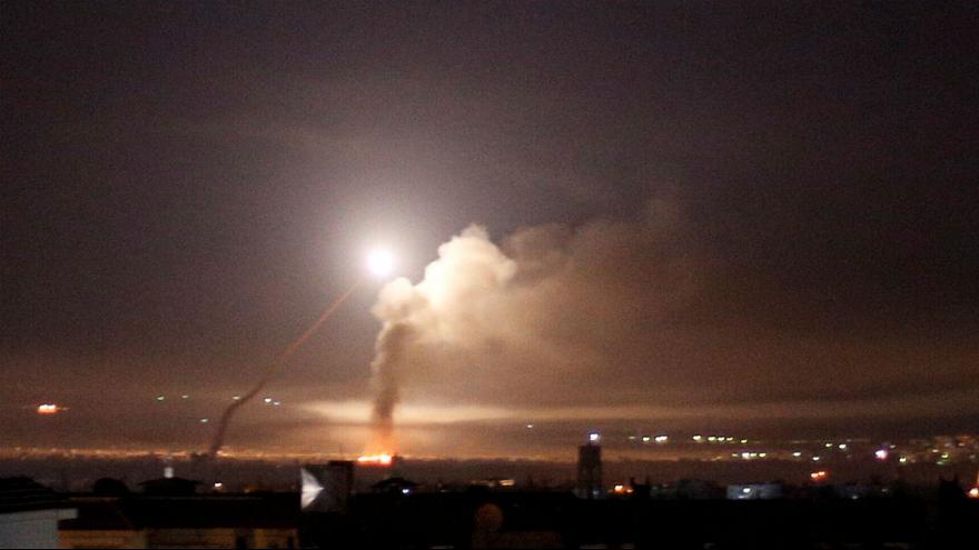 Israeli missiles hit Hama
