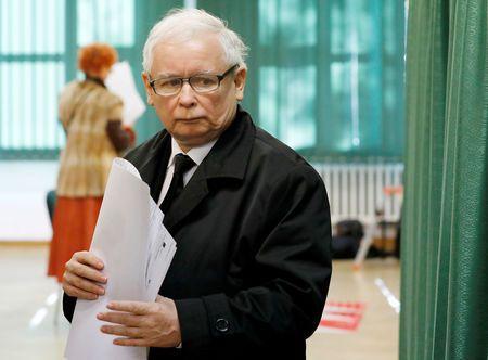 Poland's Kaczynski cancels campaign appearance due to health problems