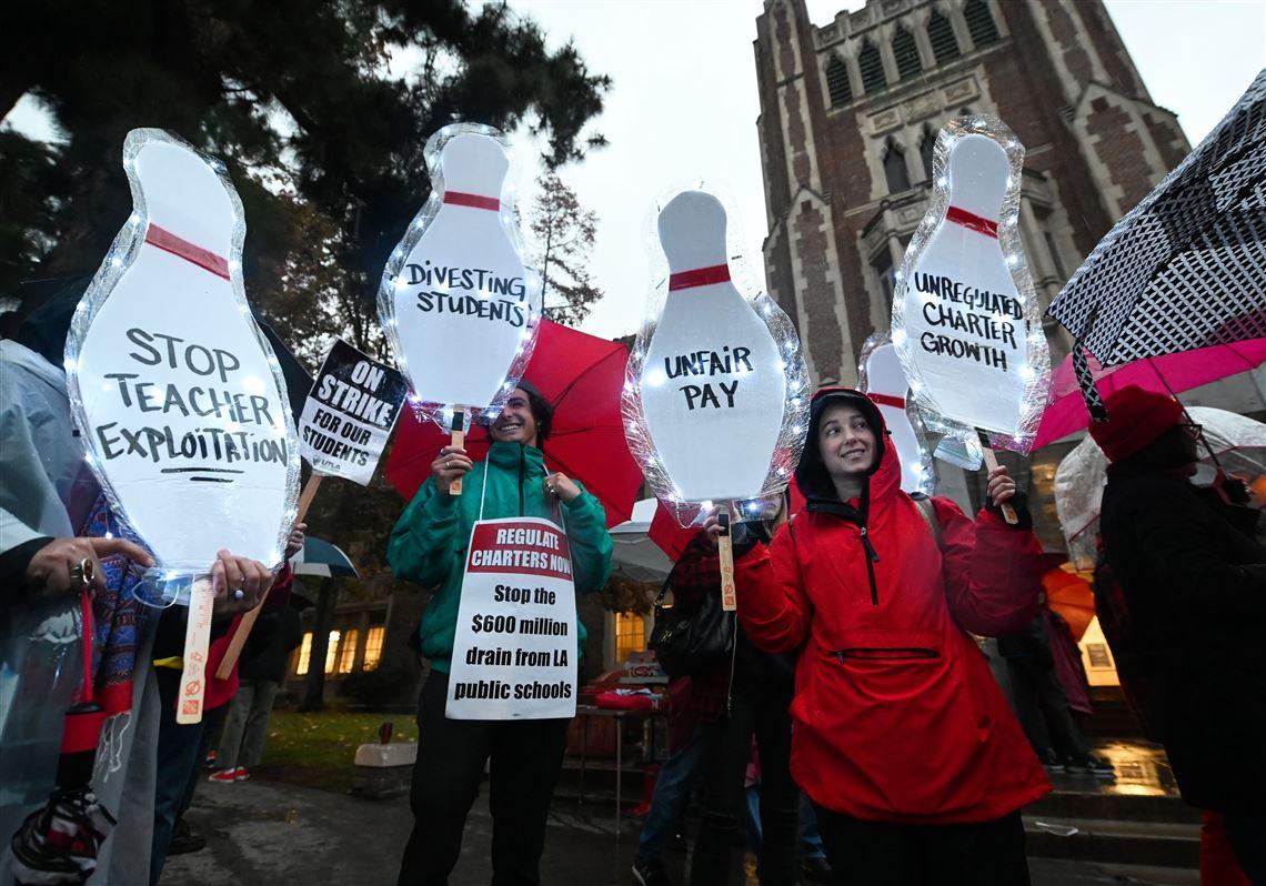 'Social Movement': 32,000 Los Angeles school teachers go on strike