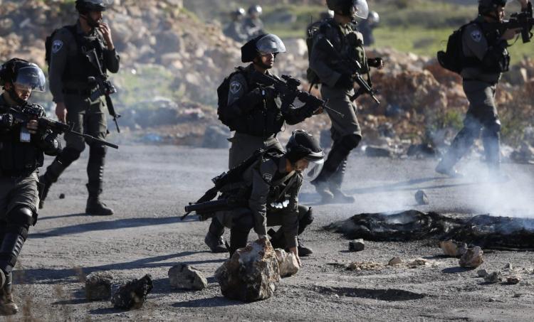 Israeli regime's troops storm Bitunia town in West Bank