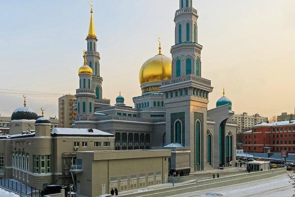 24-hour Quran recitation at Moscow mosque
