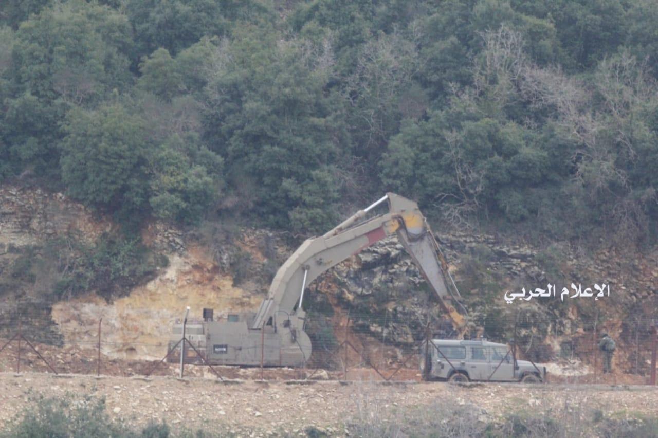 Israeli forces establish new earthen barrier at border with Lebanon