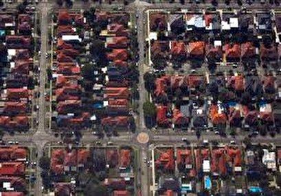 Australia housing in 'mini-boom' but signs bleak elsewhere in economy