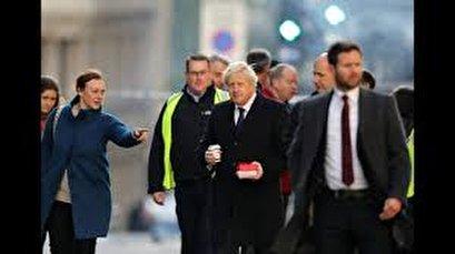 London mayor and PM visit scene of Bridge attack