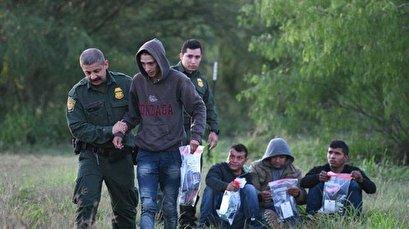 FBI arrests militiaman for detaining migrants at US-Mexico border