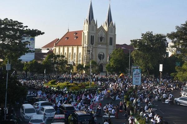 Malang churches and mosque maintain harmonious ties during Eid al-Adha