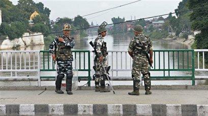 India imposes Kashmir clampdown to head off Eid al-Adha