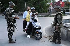 Pakistan urges UN security council to meet on Kashmir standoff
