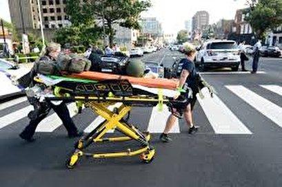 Six Philadelphia cops shot, police fear hostage situation