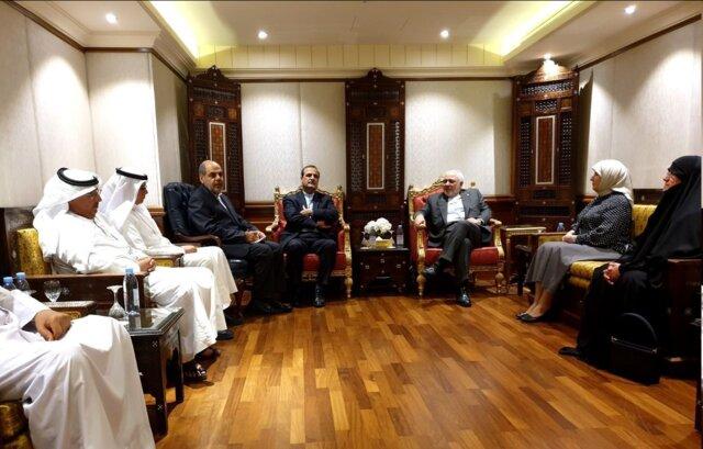 Zarif meets with Iran-Kuwait friendship association members
