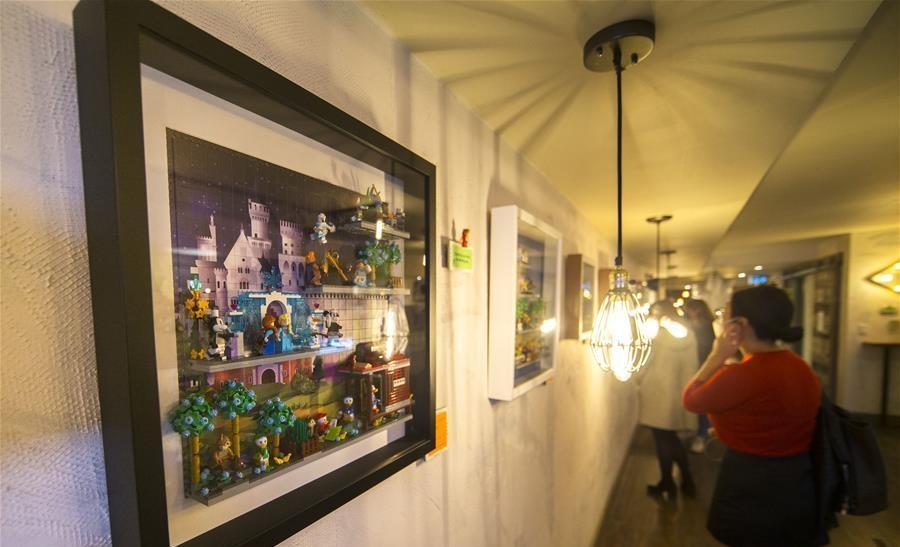 Minifigure Art Show held in Toronto