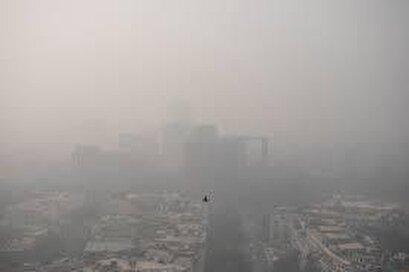 Toxic smog envelopes New Delhi sky