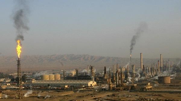 Oil Refinery in Northern Iraq Hit by Rocket, Fire Breaks Out