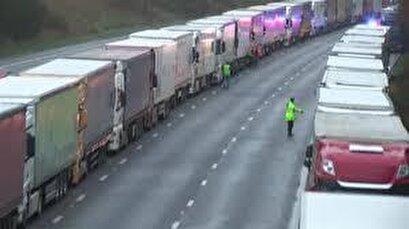 Hundreds of trucks stranded in Kent as France closes UK border