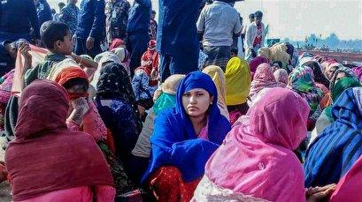 Women in Bangladesh promote hygiene in refugee camps amid coronavirus fears