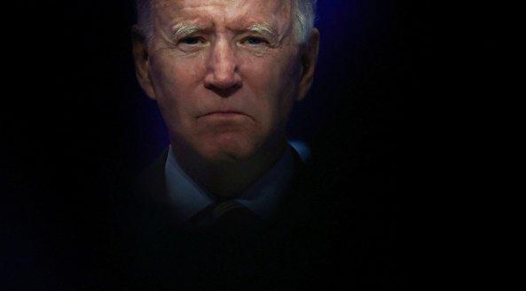 Biden, Trump trade barbs over vaccine as US pres. contradicts top experts