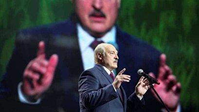 Belarus president shuts western borders, puts army on alert