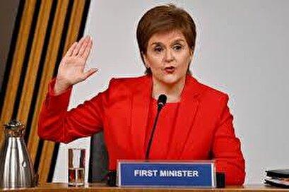 Scottish first minister gives evidence against predecessor