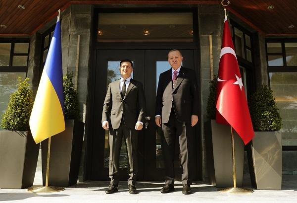 Turkish, Ukrainian presidents meet in Istanbul