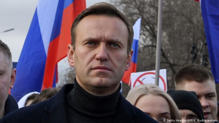 Kremlin critic Navalny could suffer cardiac arrest
