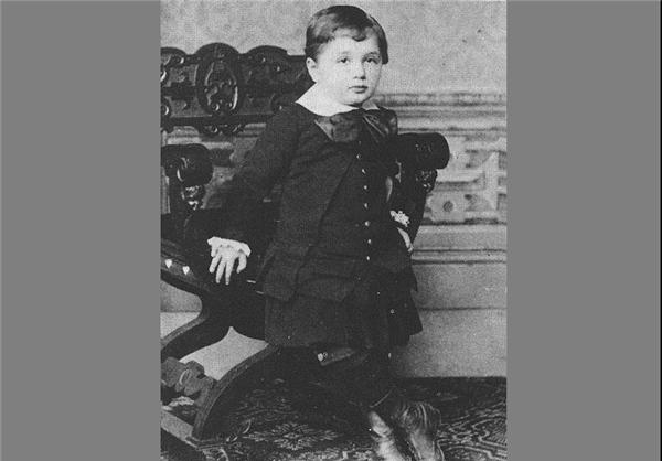 انیشتین وقتی بچه بود + تصاویر