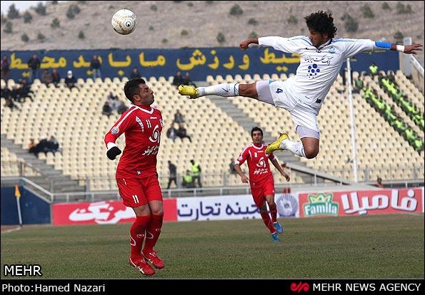 فوتبالیست رزمی کار ایران! /عکس