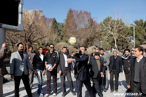 عکس/ والیبال بازی کردن محسن رضایی