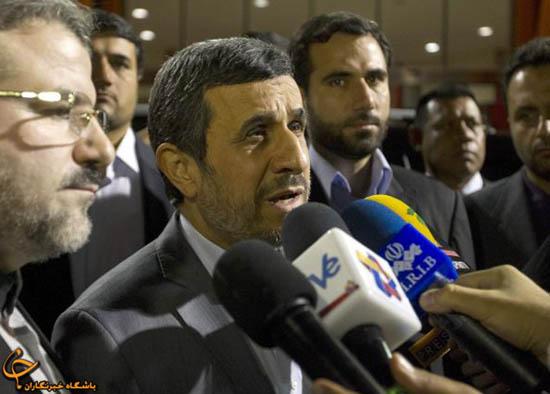"""902906 405 - فیلم و تصاوير خاص حضور """"احمدينژاد"""" در مراسم خاكسپاري چاوز"""