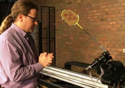 روباتی همتراز با ستاره های بدمینتون دنیا + عکس