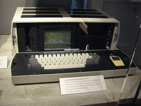اولين و قديمي ترين لپ تاپ دنيا